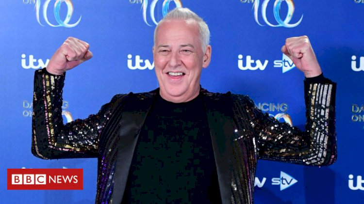 Michael Barrymore pulls out of Dancing on Ice after injury
